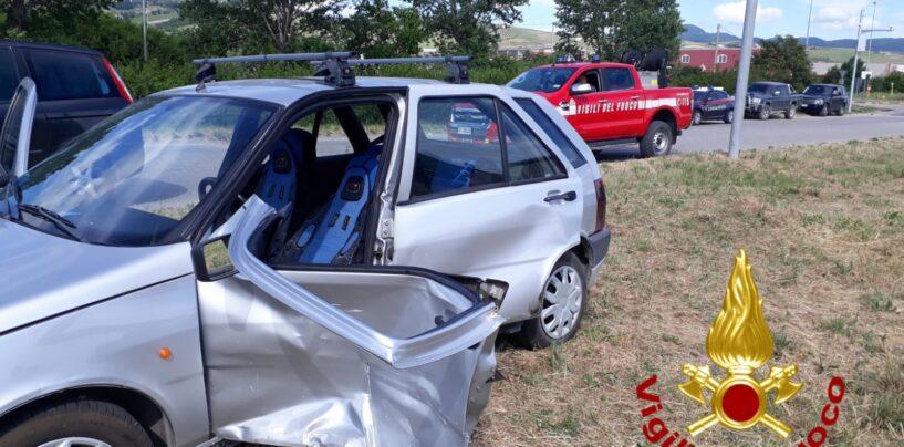 Schianto stradale tra due auto nell'area industriale di Flumeri: 84enne portato in ospedale