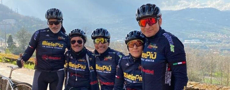 Tre ciclisti irpini sulle strade del giro d'Italia. Ad Atripalda batte forte il cuore