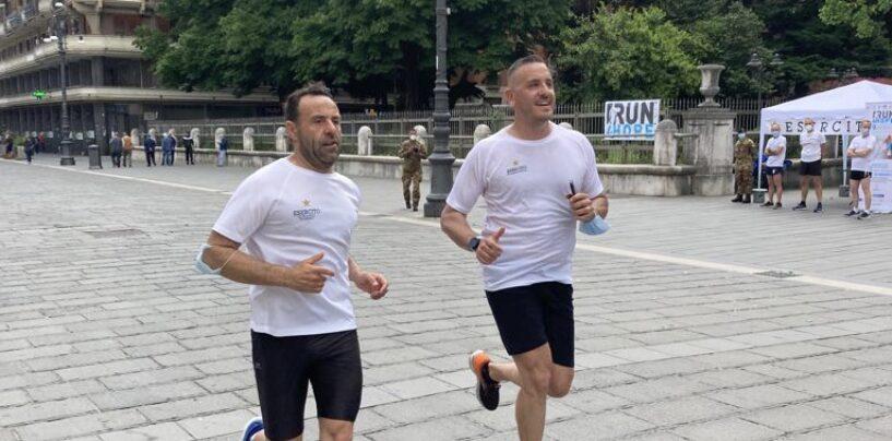 Oltre 6.000 km di corsa da nord a sud, l'Esercito in aiuto della ricerca contro i tumori infantili