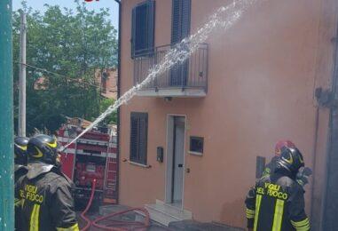 FOTO / Incendio in un'abitazione, paura a Cesinali