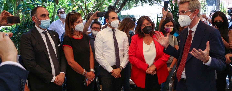 """Gubitosa a Napoli insieme a Conte e Manfredi: """"Pieni di entusiasmo, nuovo Movimento pronto a partire"""""""