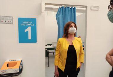 """FOTO E VIDEO / Vaccini, boom per Johnson & Johnson. La settimana prossima è la volta delle farmacie e di Coldiretti. Morgante: """"La campagna è ormai capillare"""""""