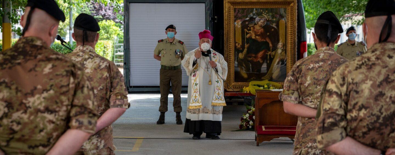 Avellino: il quadro della Beata Vergine del Rosario di Pompei fa visita ai militari dell'esercito