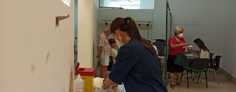 Vaccini, ieri poco più di 1.500 dosi somministrate in Irpinia