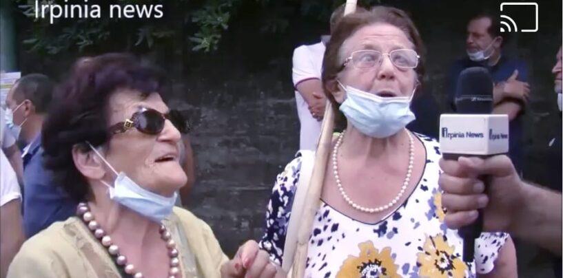 """Solofra, due nonne guerriere sentinelle del pronto soccorso: """"De Luca? Lo prendiamo a pugni in testa""""/VIDEO"""