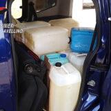 Sorpresi con 400 litri di gasolio miscelato con altre sostanze e schede carburante di dubbia provenienza: denunciati due soci in affari