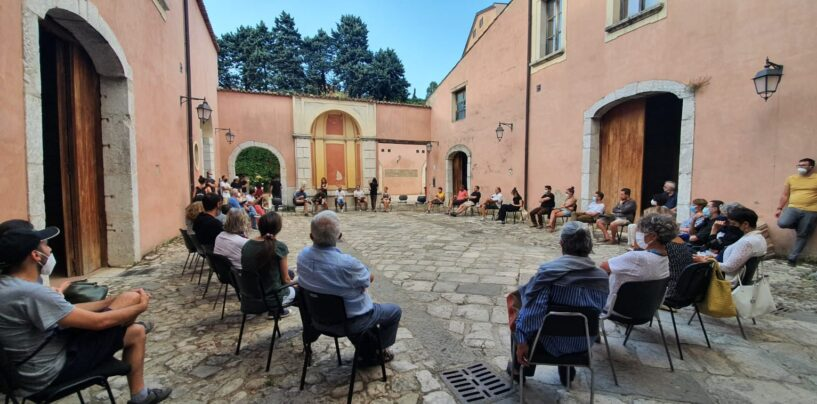 """""""La cultura in mano ai privati"""". Associazioni e cittadini criticano Festa e la Fondazione di Partecipazione"""