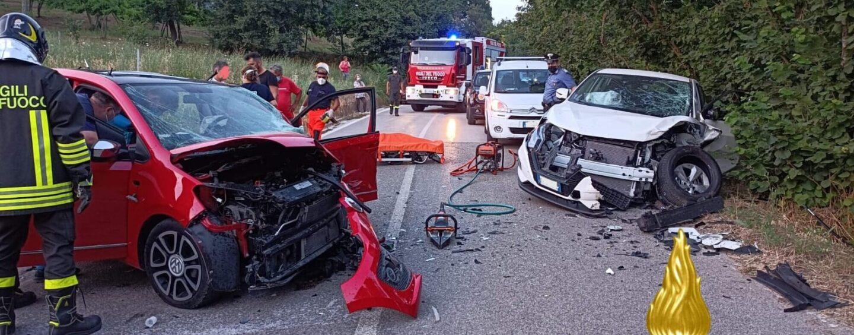 Violento impatto tra auto sulla SP 57: i due conducenti trasportati in ospedale