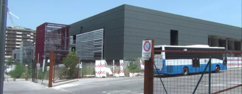 """Terminal bus via Fariello: """"Costretti a sederci a terra, manca tutto, è peggio del terzo mondo""""/VIDEO"""