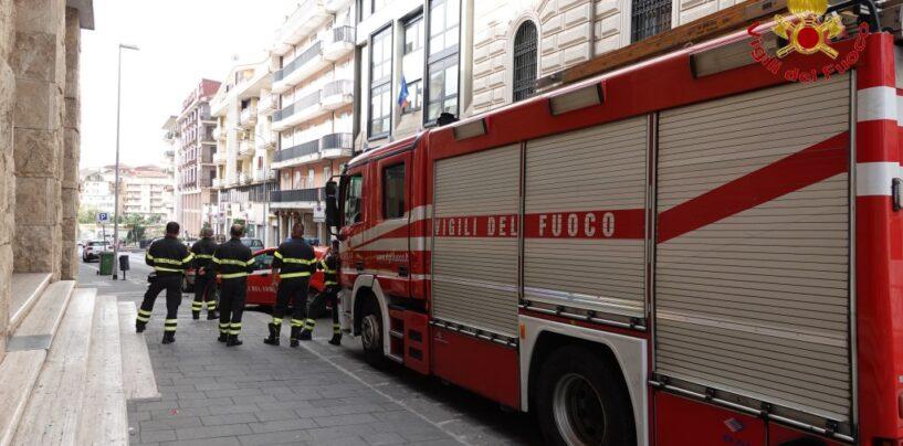 """FOTO / """"Giorno della bomba"""", anche i vigili del fuoco in prima linea"""