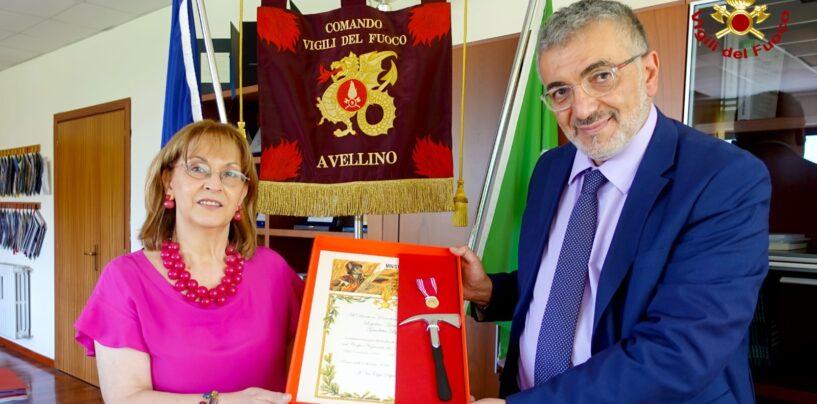 Giuditta Lippo, la decana dei vigili del fuoco di Avellino in pensione: a lei la benemerenza del comando