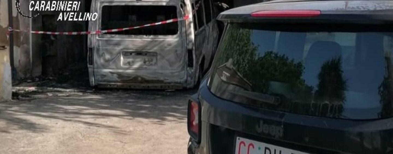 Flumeri, incendio in un garage: tre veicoli in fiamme