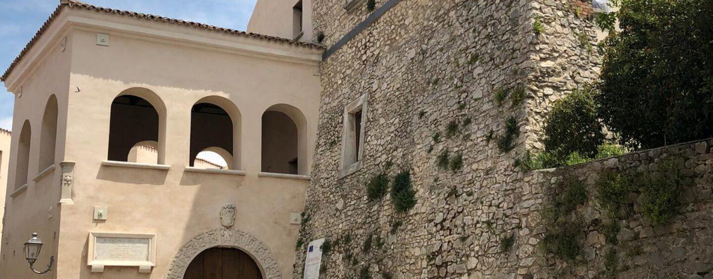 Lapio, Palazzo Filangieri: mostra di fotografie, visite guidate e spettacolo di Ferragosto