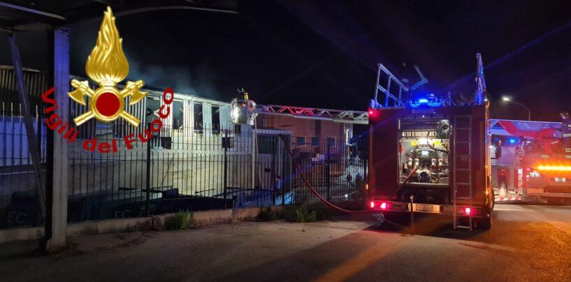 Incendio capannone Pietradefusi, l'Arpac diffonde risultati del monitoraggio delle diossine