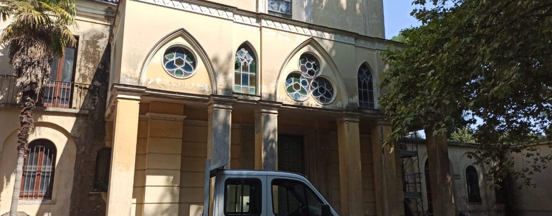 """FOTO / La Chiesa dei Liguorini verso la rinascita. I residenti al Vescovo: """"Solo Lei poteva riuscirci: la politica pensa di più ai propri interessi"""""""