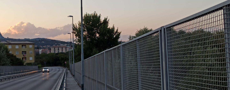 FOTO / Avellino, volo di 10 metri dal ponte: 32enne si toglie la vita