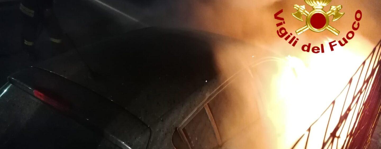 Capriglia: auto in fiamme