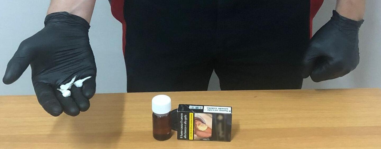 Lioni, in possesso di oltre 15 grammi di eroina e 5 di crack: 27enne in manette