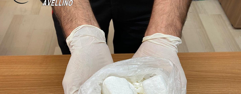 280 grammi di coca nascosta sotto al sedile: in cella 33enne di Lioni