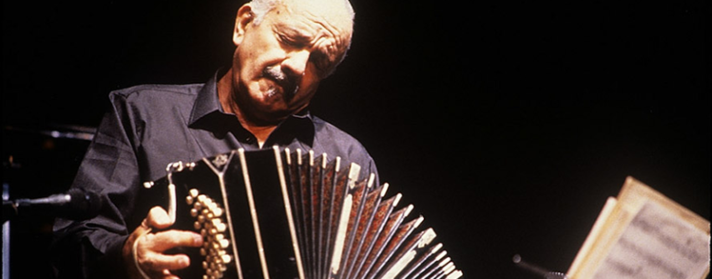 """Avellino: riapre il teatro """"Gesualdo"""" con un omaggio al grande Piazzolla"""