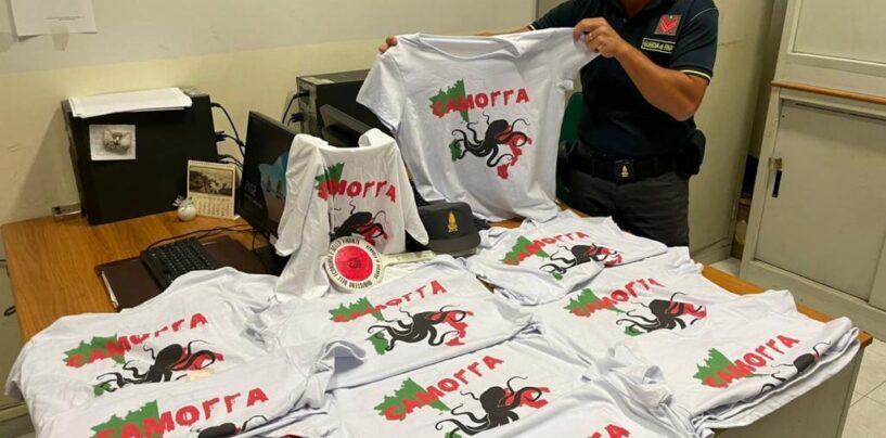 Napoli, la Guardia di Finanza sequestra magliette che inneggiano alla camorra