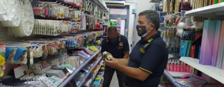Guardia di Finanza di Napoli: sequestrati oltre 3 milioni di prodotti contraffatti o non sicuri