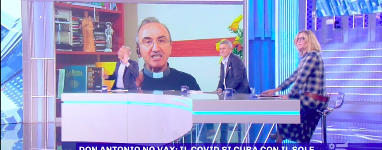 """""""Sono Free Vax e No Green Pass, ma non No Vax"""". Don Antonio Romano da Chiusano a Pomeriggio 5"""