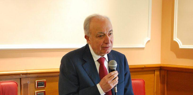 """Enzo De Luca: """"Il Ciclo Rifiuti della Campania è nell'anagrafe nazionale"""""""