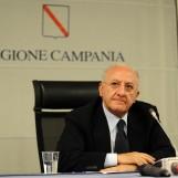 "Coronavirus, De Luca: ""Oggi 1.261 positivi. Prendere decisioni forti, mezze misure inutili"""