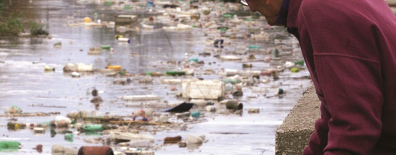 Fiume Sarno, gestione illecita di rifiuti: denunciato titolare industria conserviera