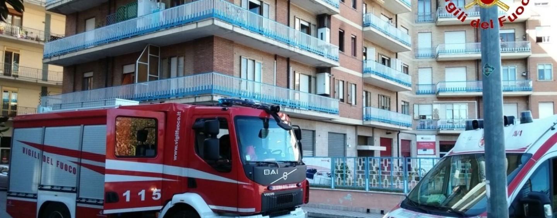 Incendio in un'abitazione di Avellino, leggera intossicazione per uno degli occupanti