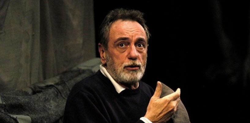 """Morte De Filippo, il teatro """"Carlo Gesualdo"""" gli dedica una poltrona"""