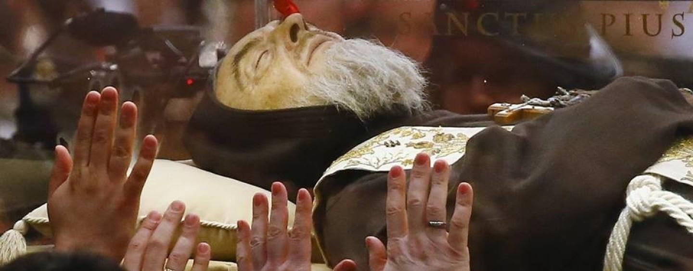 Padre Pio, fine del viaggio. Pietrelcina: ci rivediamo tra altri cent'anni?