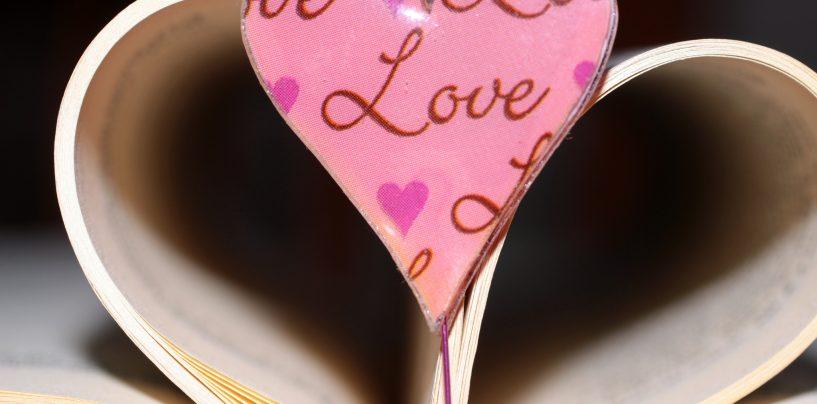 """San Valentino tra storia e leggenda. """"Piccioncini"""" e bigliettini d'amore, tutte le curiosità"""