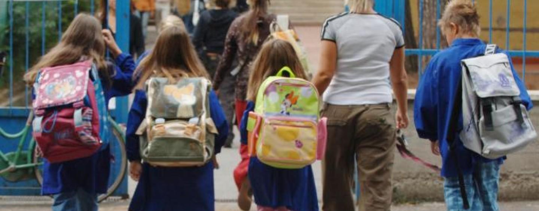 Genitori non mandano la figlia a scuola: scoperti e denunciati