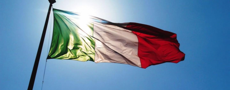 Inno d'Italia dai balconi di Avellino contro il Coronavirus