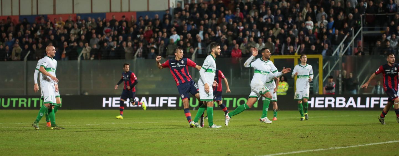 Avellino Calcio – E' di nuovo buio: il Crotone spegne la luce. Rivivi il live