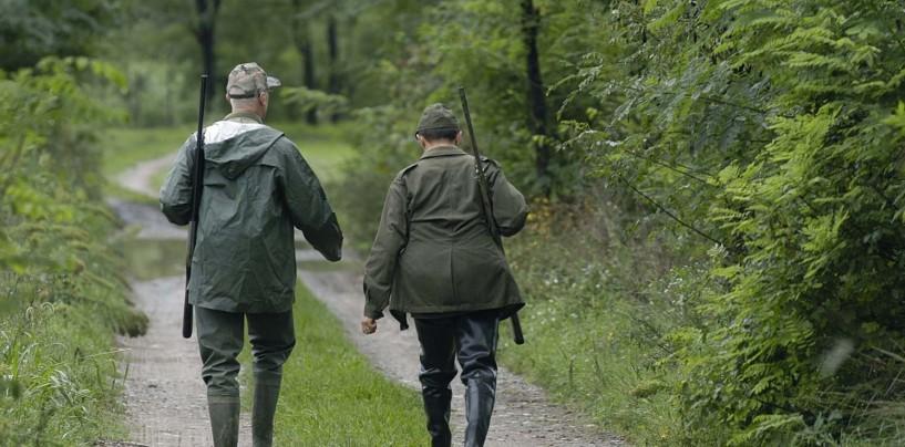 A caccia vicino le abitazioni, paura a Bonito: denunciati i responsabili
