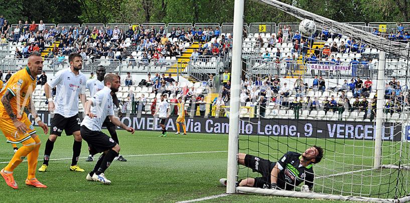 Castaldo evita la beffa: Avellino illeso con l'orgoglio a Vercelli. Rivivi il live