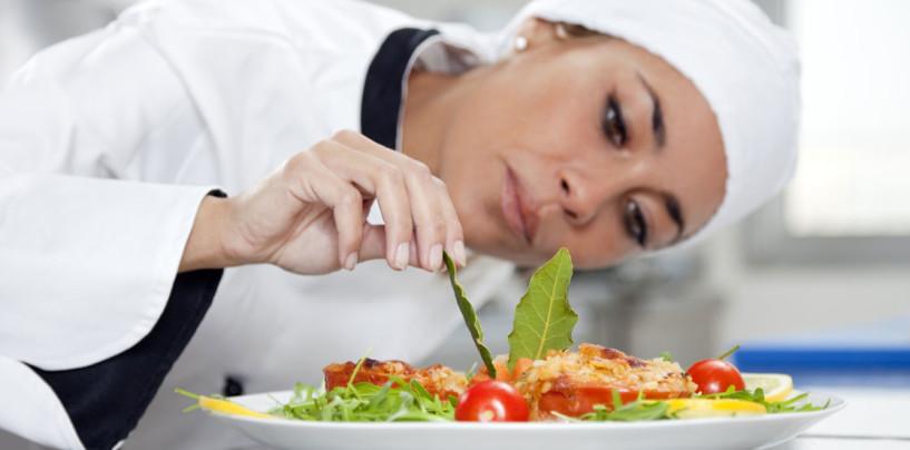 """""""Aiuta la ricerca, c'è più gusto"""", ristoranti e chef in Piazza Libertà per Telethon"""