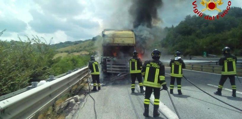 FOTO/ A16, in fiamme un tir carico di olio d'oliva