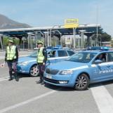Fermati con una spranga di ferro in auto: denunciati due rom