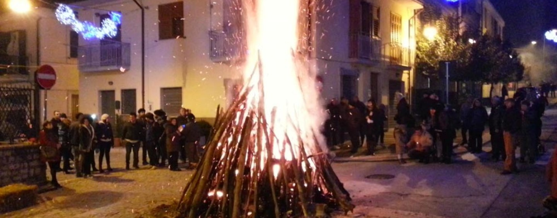 Falò, carcare e focaruni, in provincia di Avellino si rinnova l'appuntamento con la tradizione: tutte le date