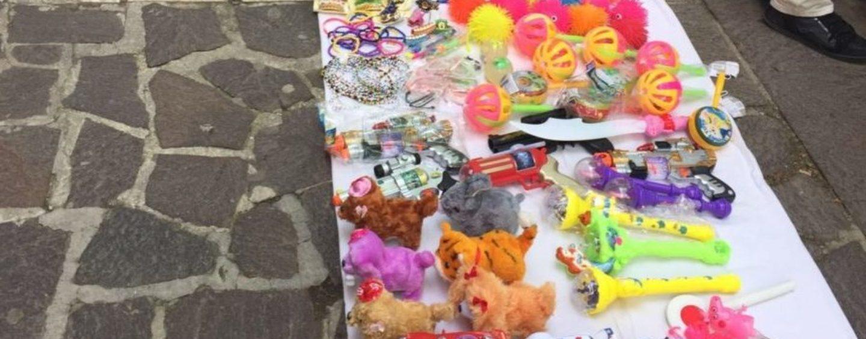 """Napoli, operazione """"Santa Claus"""": l'associazione di volontariato """"Asso.Gio.Ca."""" dona regali ai bambini bisognosi"""