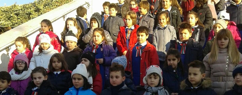 Natale, la scuola di Taurasi organizza i mercatini di solidarietà per le strade del paese