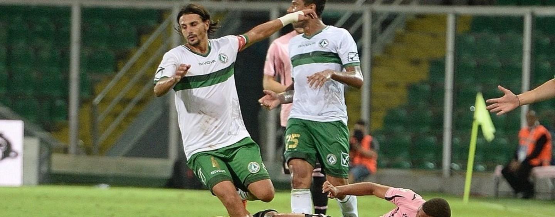 Avellino Calcio – Sarà il derby degli assenti: il giudice sportivo squalifica Arini