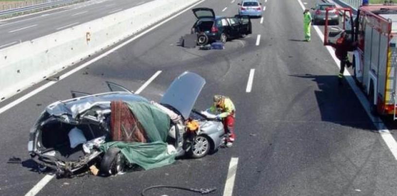 Guida sotto l'influenza dell'alcol: feriti gravemente un 44enne e una bambina di 7 anni