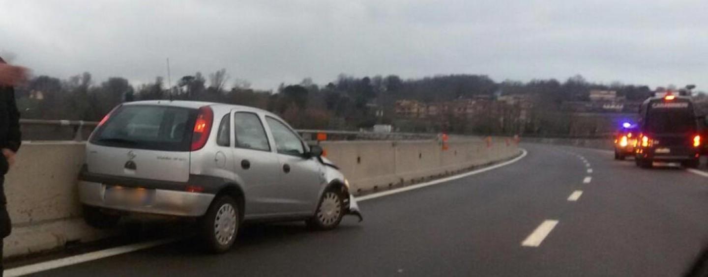 Incidente sull'Autostrada A/16, disagi al traffico