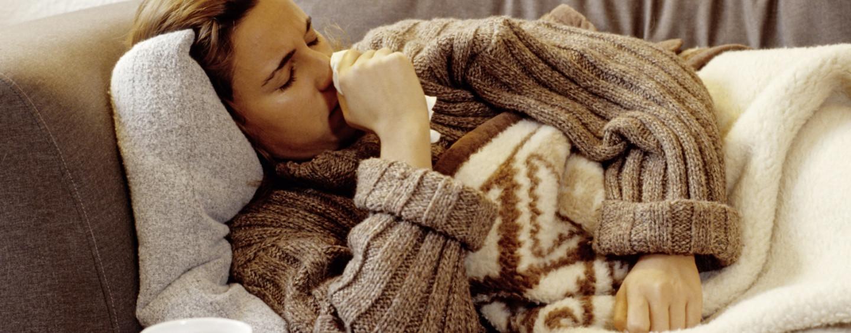 E' già arrivata l'influenza: 100mila italiani a letto con febbre e raffreddore