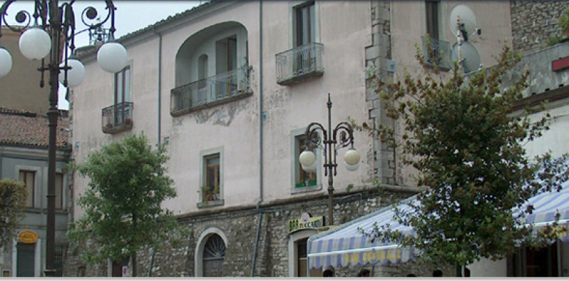 Vandali in azione a Lacedonia, danni di circa 3 mila euro